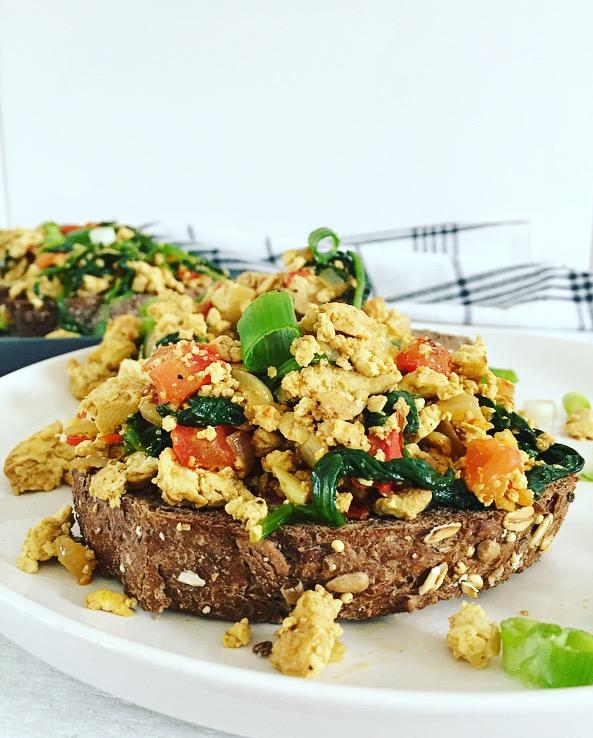 vegan scrambled eggs.jpg