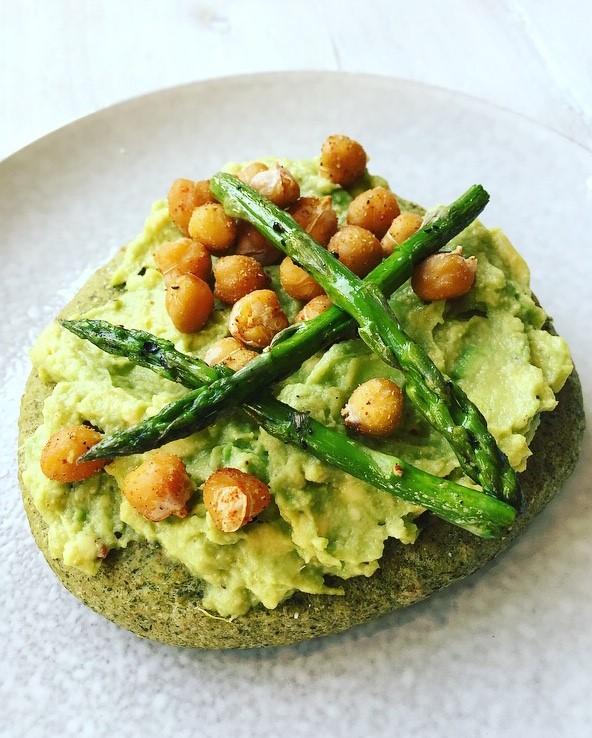groentebroodje guacamole asperges